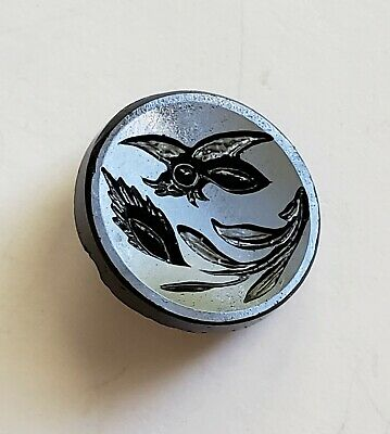 """Antique Black Glass Picture of Bee Wasp Flying INSECT & Plant Life ½"""" Button"""