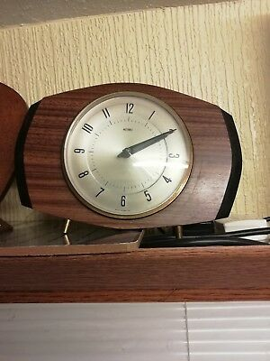 (340)            Small  Mains Electric Wooden Mantel Clock Made By Metamec