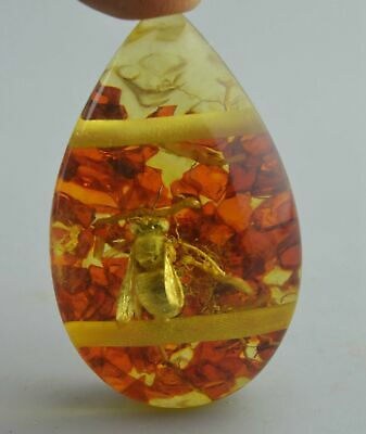 Collectable Handwork Decor Amber Inner Inlay Petals & Bee Noble Fashion Pendant
