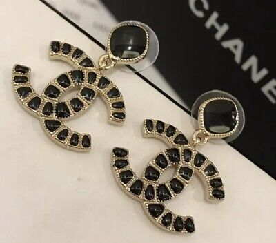 Chanel earrings CC LOGO Golden Metall Black  With Box And Mini Bag