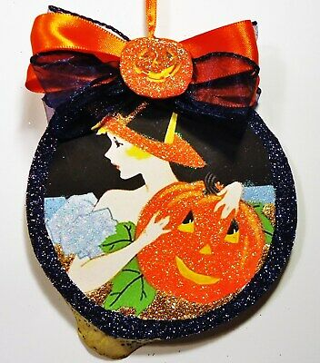 Hand Made PRETTY WITCH WITH JOL  glittered WOOD SLICE HALLOWEEN Ornament VTG IMG