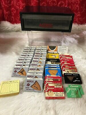 Lot of 40 Vintage Phonograph Needles W/ display Box ASTATIC VERY RETRO AWESOME!!