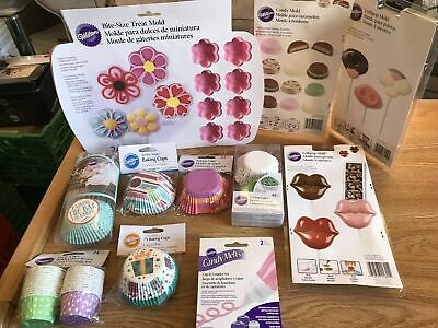 Wilton Mixed Cupcake cake and decorating items Ref 3