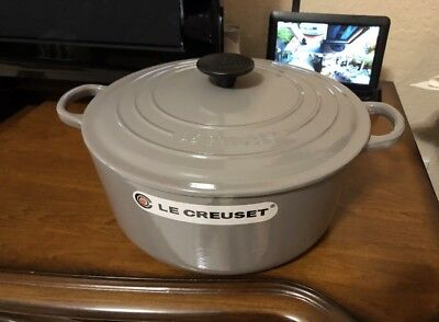 Le Creuset Dutch Oven Cast Iron 5.5Qt #26  Gray Gris Color(no Factory Box)