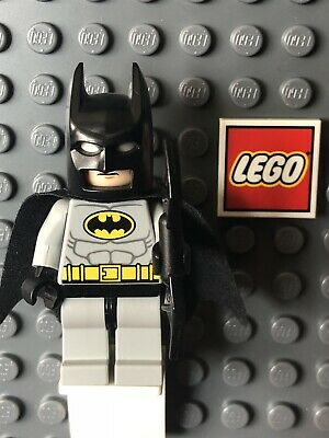 w// Gold Belt /& Bat-a-Rang LEGO Dimensions Batman DC Super Heroes Minifigure
