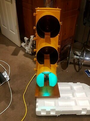 Rare ~ 1963 Original Traffic Light ex Port Melb area ~ Rewired for 240v use