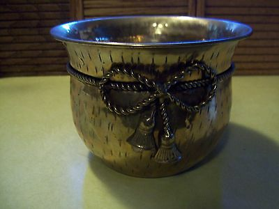 """Vintage INDIA HAMMERED Brass With ROPE DETAIL PLANTER/BUCKET 4 1/2"""" HIGH"""