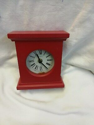 (477)   Wooden Mantel Peice Clock With Quarz Movement Made By Mayfair Clocks (Uk