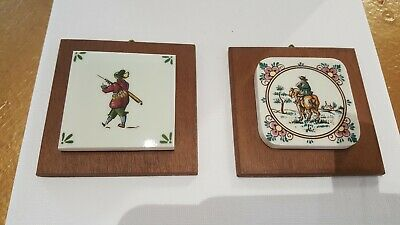 2 beautiful minature tiles by delfts in holland ready to hang ,excellent condtio