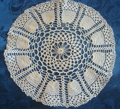 VINTAGE HAND CREAM COTTON CROCHETED SMALL ROUND DOILEY  24 cms