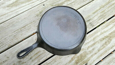 Vintage ERIE Pre-Griswold No 8 Cast Iron Pan Skillet 704G with Heat Ring