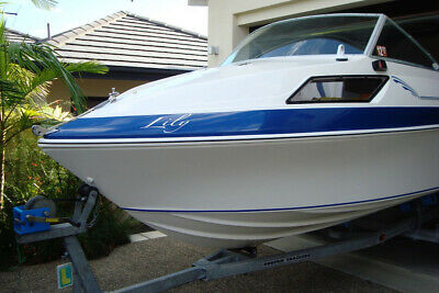 HAINES SIGNATURE 470F BOAT - Excellent Condition