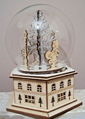 Gisela Graham Light Up Revolving Musical 8 Christmas Carols Fretwork Base Globe