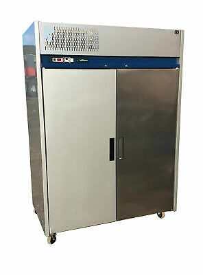 Williams Commercial Fridge/Double Door Stainless Steel Upright Chiller