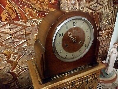 Smiths Enfield chiming mantle clock in working order with key