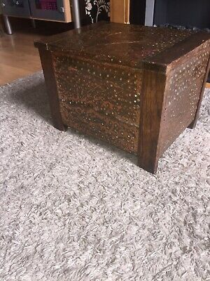 Arts and Crafts copper and wood Log box early 1900's in original condition.