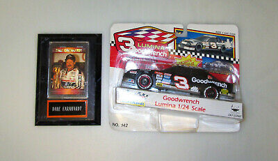 Goodwrench Lumina 3 Dale Earnhardt Collectable Toy Car & Collectable Card