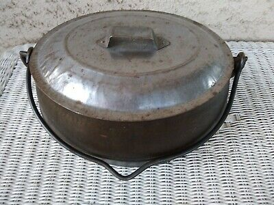 Antique Marietta Co PA 2 Gallon Cast Iron Oval Pot with Tin Lid Gate Mark.