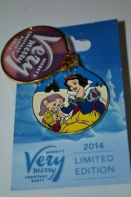 Disney Snow White & Bashful Mickey's Very Merry Christmas Party Pin 2014 LE