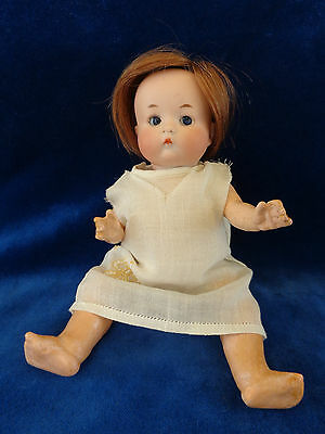 Antike Puppe Googly geschlossener Mund cute doll with closed mouth
