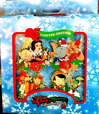 """Disney Mickey's Very Merry Christmas Party """"08"""" Boxed Pin Set of 4"""