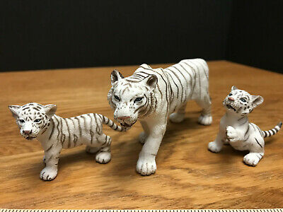 *SHIPS FREE* SCHLEICH * WHITE TIGERS -FAMILY *  Mother SIBERIAN TIGER & TWO CUBS