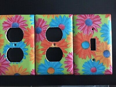 Set of 3 daisy electrical outlet cover plate and light switch plates