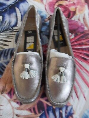Gold Tassel Loafers Size 6 Wide Fit EEE BNWT From Evans RRP £35