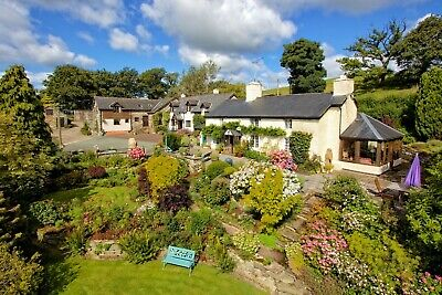 LATE DEAL - Cyfie Farm 5* Barley Cottage, Pet Friendly, Sleeps 2 - King-size bed