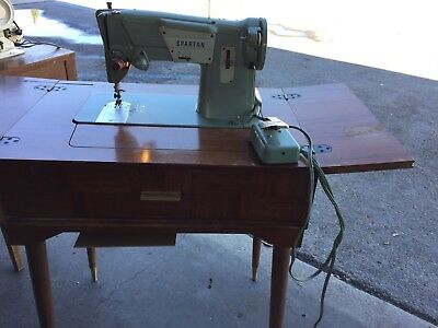 Singer SPARTAN Sewing Machine Whith Foot Pedal And Table