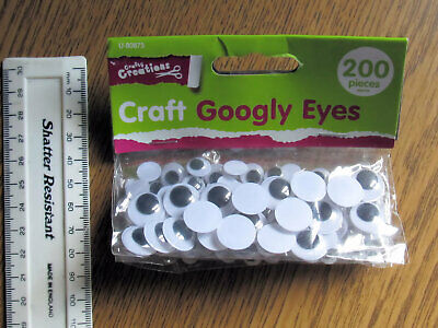 Crafty Creations Googly Eyes 200 Pieces Three Sizes