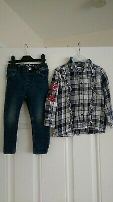 Girls outfit F&F 🌸 embroiled shirt and Denim Co Jeans 2-3 Years