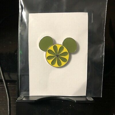 Disney Parks Pin   Mickey Mouse Ears - Yellow / Green   Pre-Owned