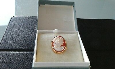 ANTIQUE 18CT GOLD 750 SHELL CAMEO BROOCH PIN PENDANT DEPICTING YOUNG LADY in box