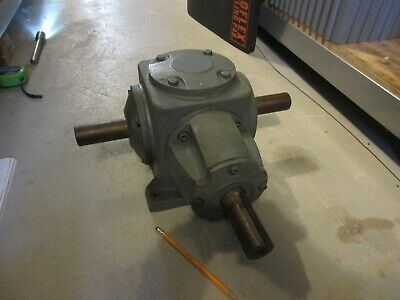 BOSTON GEAR SPIRAL-BEVEL GEAR REDUCER R 258 BM1 Model: NS