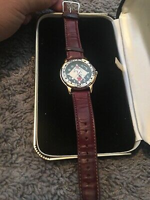 Warner Bros Watch Collection Bugs Bunny Pitcher Baseball Fossil Watch