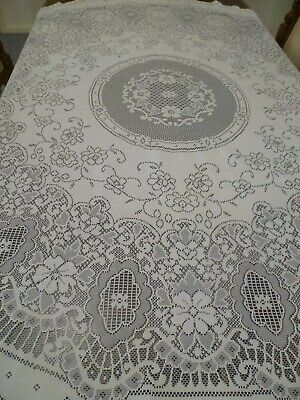 VINTAGE POLYESTER CREAM LACE FLORAL ROUND TABLECLOTH  177 cms across
