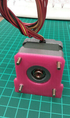 200 Step stepper motor with 3D printed Mounting Bracket.