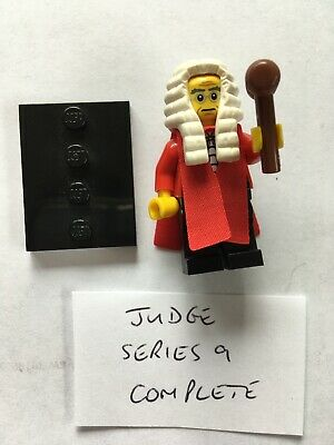 Lego Minifigure Series 9 Judge Complete With Wig, Robes, Gavel And Stand
