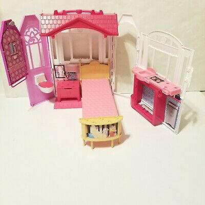 Barbie Glam Getaway House, Fold-Up, Fold & Go Dollhouse Mattel 2014