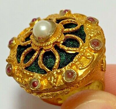 Fantastic-Vintage Ring - 8 Carnelian Stones And 1 White Pearl - Very Beautiful