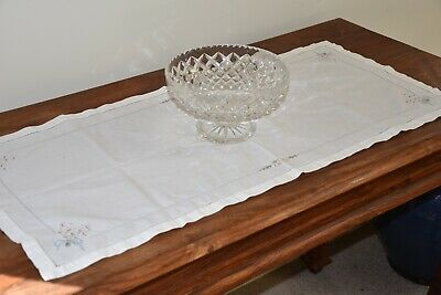 White Cotton Table Runner (90cm x 40cm) - EUC