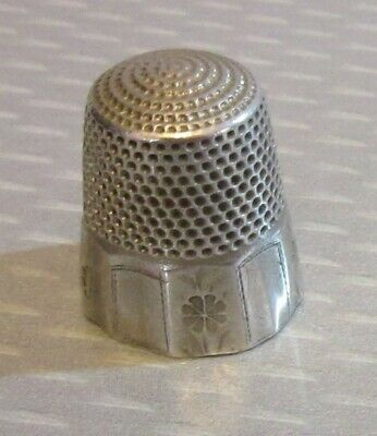 antique Stern Bros STERLING SILVER THIMBLE 9 daisy flower wide paneled band