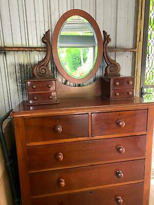 Vintage timber dresser / drawers with detachable mirror