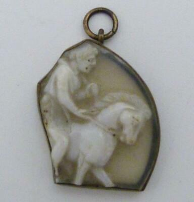 ANCIENT ROMAN CAMEO GLASS PENDANT, 1st/2nd CENTURY A.D.