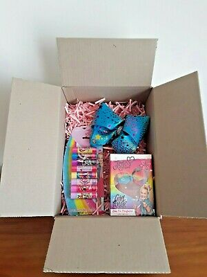 JoJo Siwa Beauty Giftpack with Perfume, 8 x Lip Balms and Large Bow