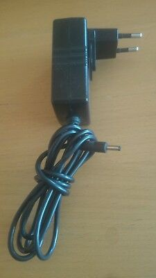 Cargador ac adaptor Model M.D.A. model md adp 0516UN001- Dc 5V - 1.6A (755995)