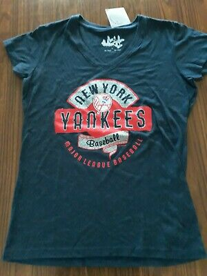 Touch by Alyssa Milano Women's New York Yankees Sparkle V-Neck T-Shirt  Large