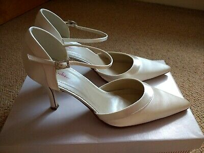 Rainbow Clover ladies ivory satin bridal shoes size 5.5 with diamonte buckle