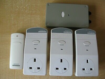 Set of 7 RF remote control mains units & 2 hand-held RF controllers